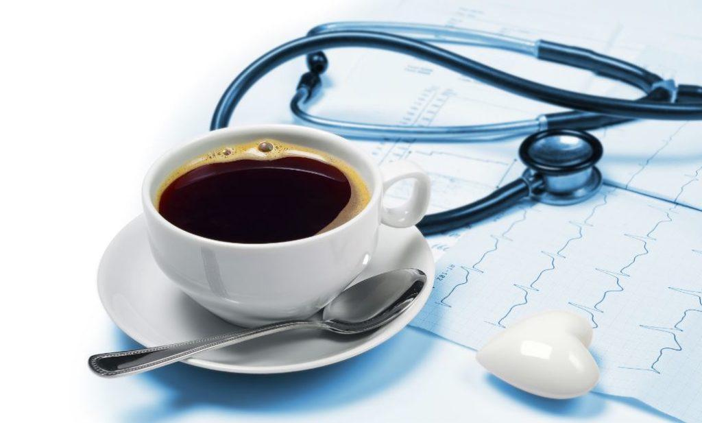 Кофе и стетоскоп