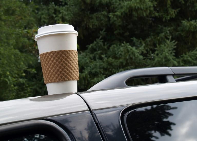 Стакан кофе на машине