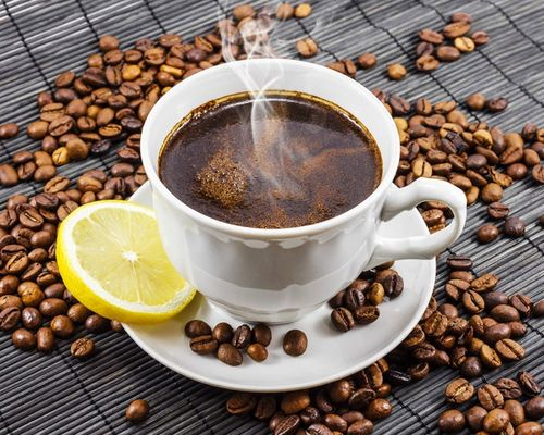 Как влияет кофе на давление человека: он повышает или понижает его?